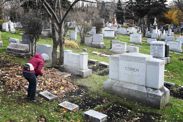 Leonard Cohen a été enterré selon le rite... (La Presse, Bernard Brault)