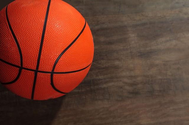 Dans la Ligue régionale de basketball senior jeudi, l'Optimum a vaincu les...