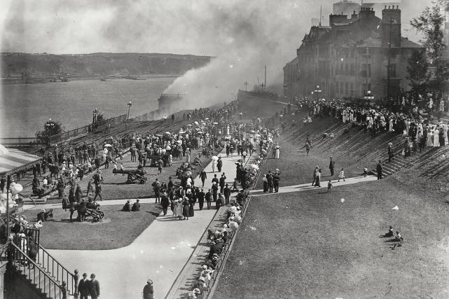 La terrasse Dufferin en 1914... (Photo BAnQ, P600, S6, D1, P422)