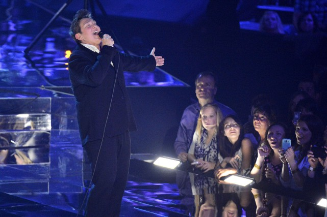 k.d. lang interprète Hallejuah aux Juno Awards.... (THE CANADIAN PRESS)
