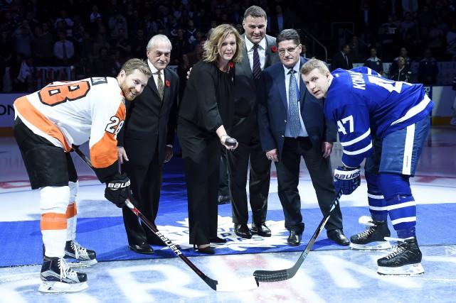 Claude Giroux des Flyers de Philadelphie et Leo... (La Presse canadienne, Nathan Denette)