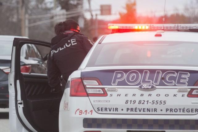 LeService de police de Sherbrooke(SPS) a mis la main au collet de l'auteur... (Spectre Média, Julien Chamberland)