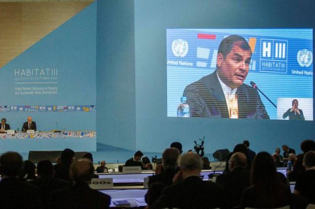 Le président de l'Équateur, Rafael Correa, alors qu'il... (Photo Guillermo Granja, Reuters)