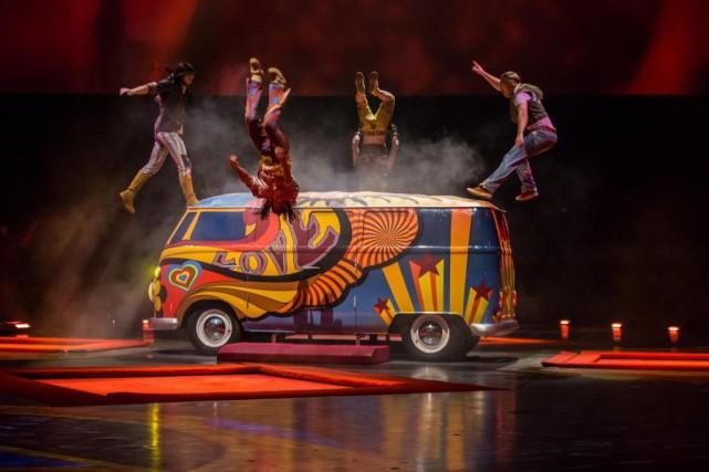 Scène de la nouvelle mouture du spectacle LOVEprésenté... (Photo fournie par le Cirque du Soleil)