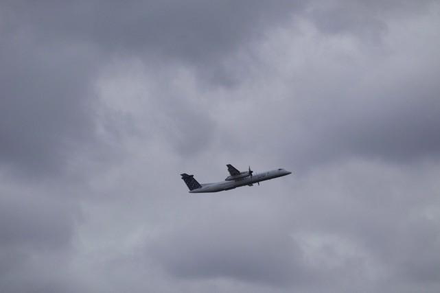 L'avion de type Dash 8 transportait 54 passagers... (Photo La Presse Canadienne)