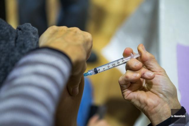 La campagne de vaccination contre la grippe saisonnière... (Olivier Croteau, Le Nouvelliste)