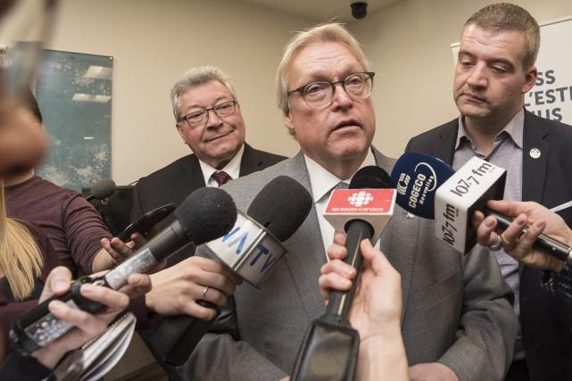 Le ministre de la Santé et des Services... (Spectre Média, Frédéric Côté)