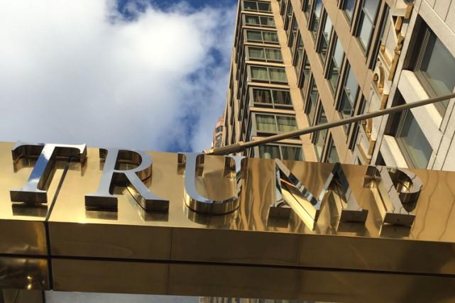 La décision de renommer ces prestigieux bâtiments a... (ARCHIVES AFP)