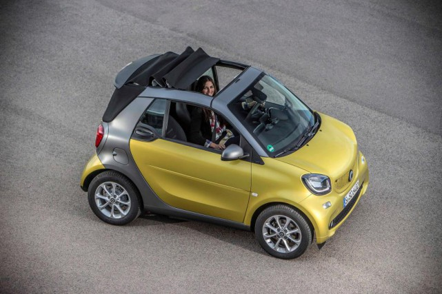 La Smart ForTwo cabriolet... (photo fournie par le constructeur)