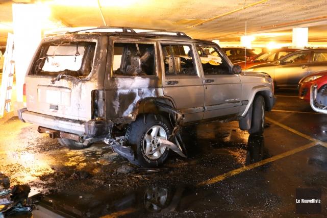 C'est ce véhicule qui a pris feu dans... (Audrey Tremblay, Le Nouvelliste)