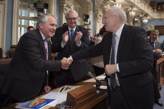 Le chef péquiste, Jean-François Lisée (à droite), féliciteFrançois... (La Presse canadienne, Jacques Boissinot)