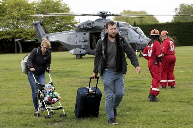 Des hélicoptères de l'armée de l'Air de la... (AFP, Marty Melville)