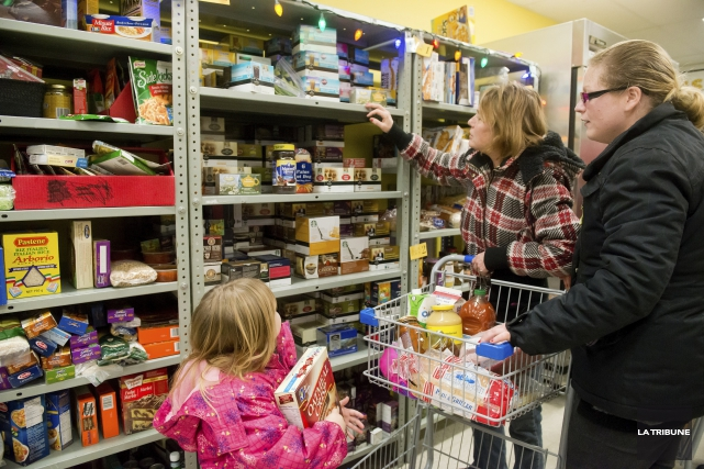 ÉDITORIAL / À nouveau cette année, Banques alimentaires Canada sonne l'alarme:... (Archives, La Tribune)
