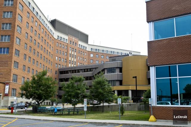 L'hôpital de Hull, le plus vieil hôpital de... (Patrick Woodbury, Archives Le Droit)