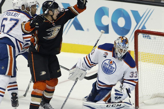 Les Oilers d'Edmonton se sont inclinés 4-1 face... (Photo Alex Gallardo, AP)