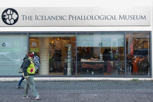 Rien de tel, pour l'édification générale, qu'un détour par le musée du phallus... (PHOTO AFP)