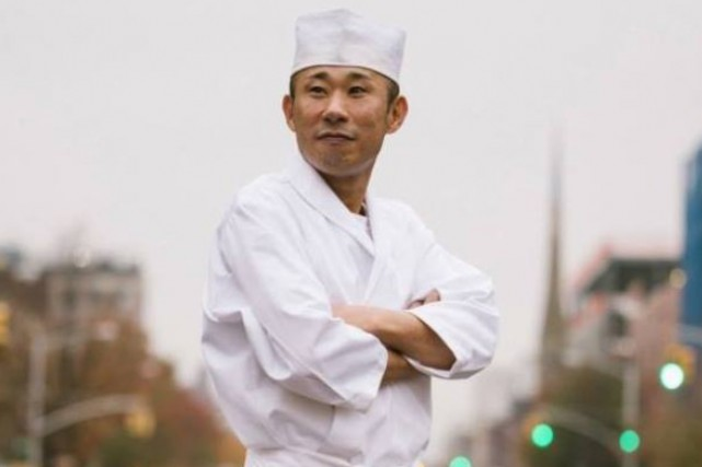 Le chef du restaurant Sushi Inoue... (PHOTO TIRÉE DE FACEBOOK)