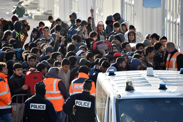 «Plus de 300 enfants ont été transférés de... (PHOTO AFP)