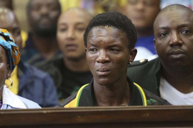 La victime, Victor Rethabile Mlotshwa, aurait été forcée... (AP)