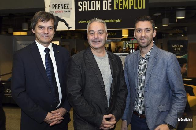Le recteur de l'UQAC, Martin Gauthier, et les... (Photo Le Quotidien, Rocket Lavoie)