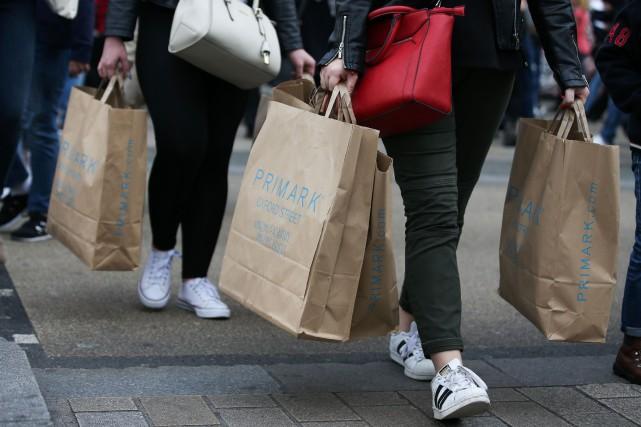 Les ventes au détail, en volume, ont bondi... (PHOTO DANIEL LEAL-OLIVAS, ARCHIVES AGENCE FRANCE-PRESSE)