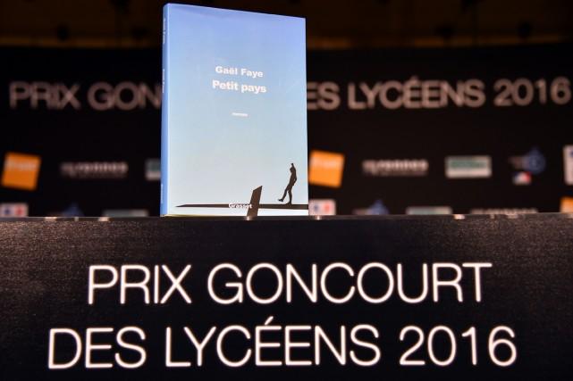 Le Goncourt des lycéens, prix littéraire français decerné par un jury de 2000... (PHOTO AFP)