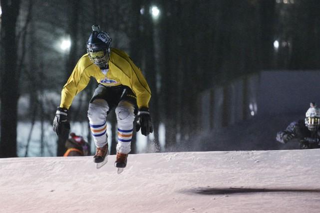 Le projet de piste permanente de patinage de descente extrême au mont Bellevue... (Spectre Média, Marie-Lou Béland)