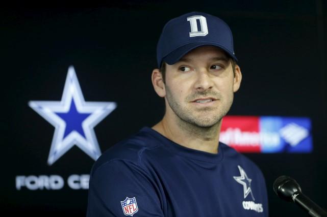 Le quart arrière des Cowboys de Dallas Tony... (AP)