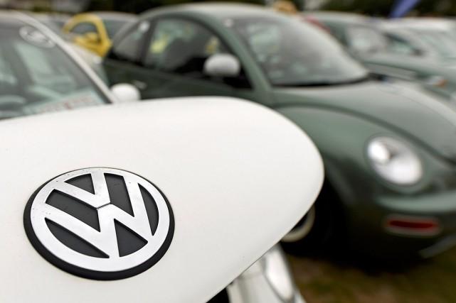 Volkswagenva supprimer environ 30000emplois sur les 215000 qu'il... (PHOTO FABIAN BIMMER, ARCHIVES REUTERS)