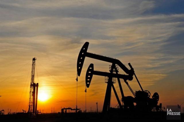 Les cours du pétrole ont terminé en forte hausse lundi, dopés par des espoirs... (Photo archives la presse)