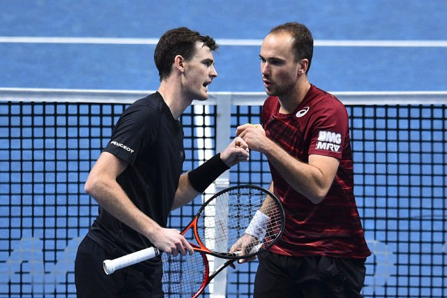 Jamie Murray et Bruno Soares... (Photo Glyn Kirk, AFP)