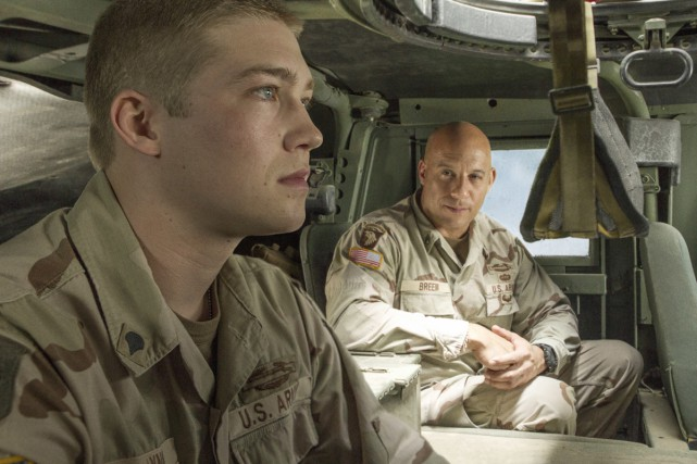 Joe Alwyn et Vin Diesel dans une scène... (Photo fournie par Sony/TriStar Pictures)