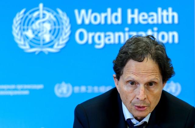 Dr David Heymann, président du Comité d'Urgence de... (photo  FABRICE COFFRINI, archives AFP)
