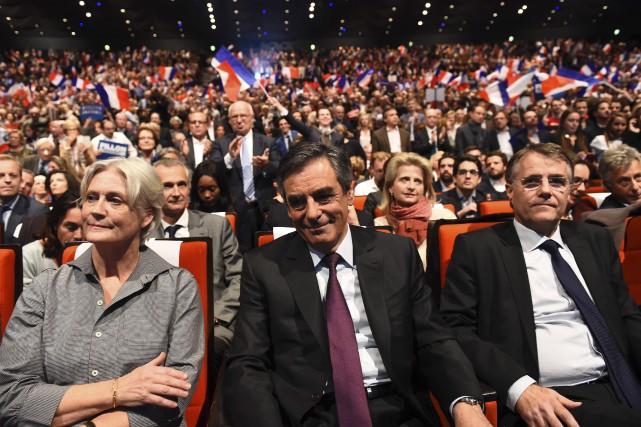 François Fillon (au centre) pourrait causer la surprise... (AFP)