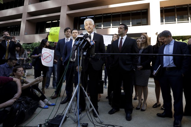Daniel Petrocelli, l'avocat de Donald Trump, s'adresse à... (AP)