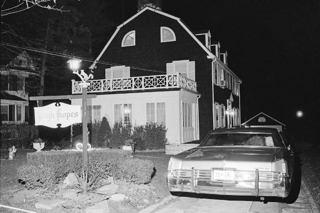 La maison de Long Island où six personnes... (AP)