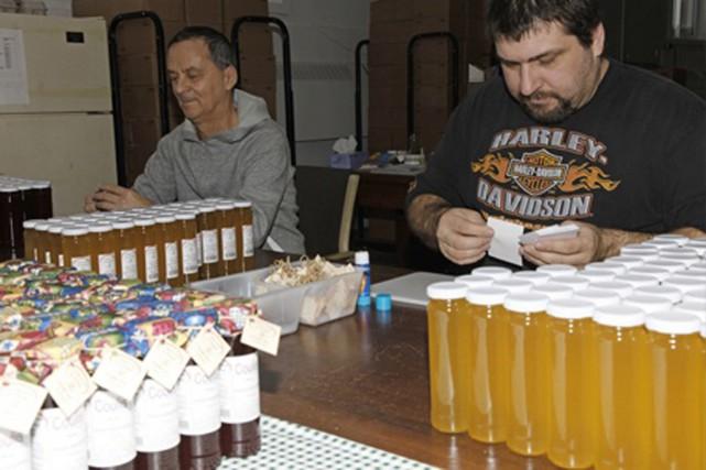 Chaque année, plus de 32 000 pots d'une... (tirée du www.laterre.ca)