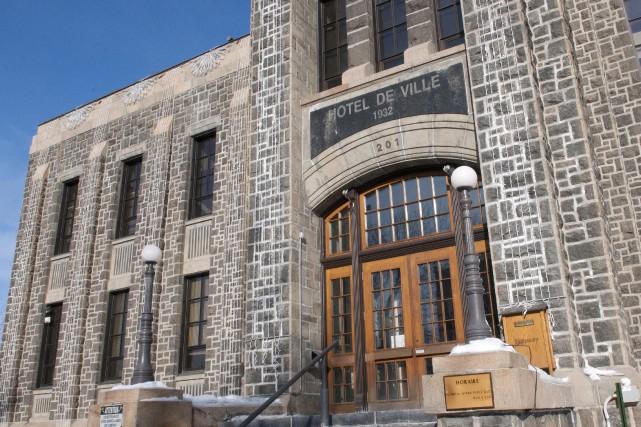 L'hôtel de ville de Saguenay... (Archives Mariane L. St-Gelais)