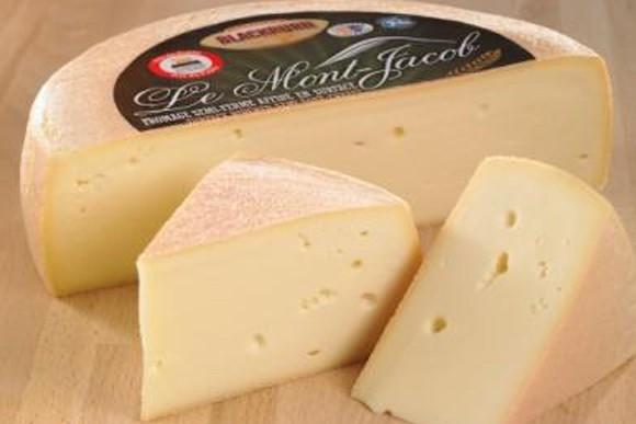 Les fromages Mont-Jacob (ci-haut) et Blackburn ont remporté... (Photo tirée d'Internet)