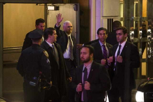 Le républicain Mike Pence s'est dirigé vers la... (AP, Andres Kudacki)