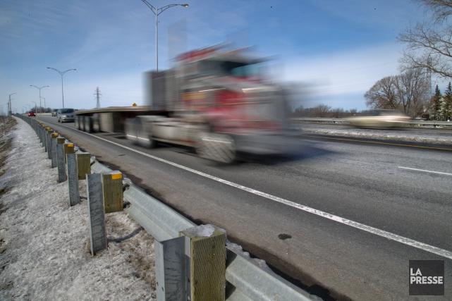 nouvelles normes de s curit les camionneurs ind pendants mal inform s transports. Black Bedroom Furniture Sets. Home Design Ideas