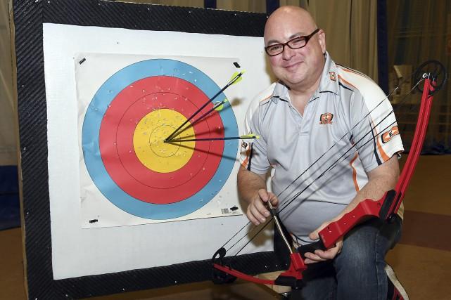 Entraîneur-chef au Club-école de tir à l'arc Saguenay,... (Le Progrès-Dimanche, Rocket Lavoie)