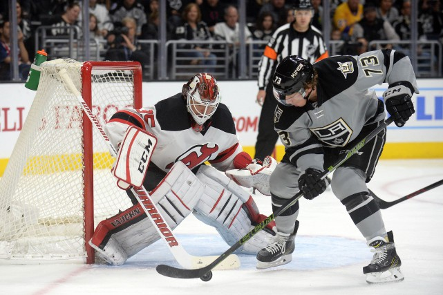 Jeff Carter a inscrit son septième but de la saison, Peter Budaj a effectué 21... (Photo USA Today Sports)