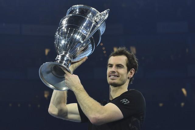 Andy Murray (photo) est le premier joueur autre... (AFP,  Glyn Kirk)