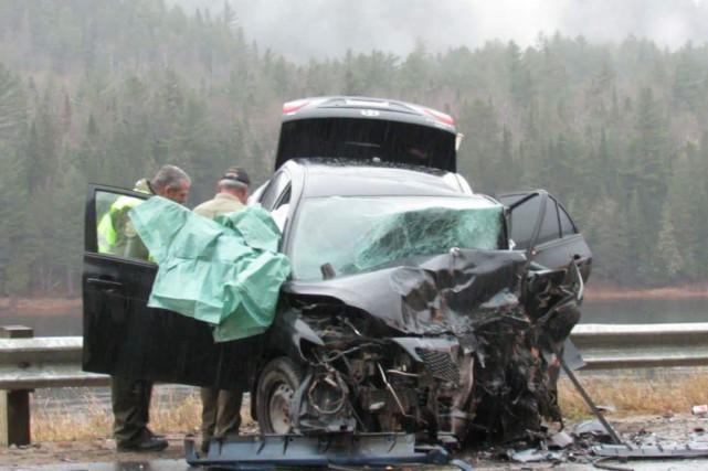 La collision a fait deux blessés graves.... (Photo: Courtoisie)