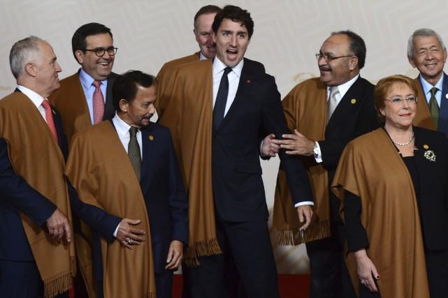 Justin Trudeau et les leaders du Sommet de... (La Presse canadienne, Sean Kilpatrick)