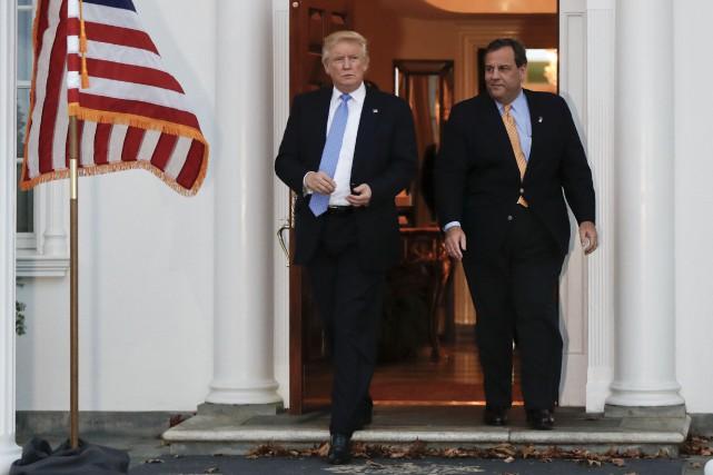 Donald Trump et le gouverneur du New Jersey,... (AP, Carolyn Kaster)