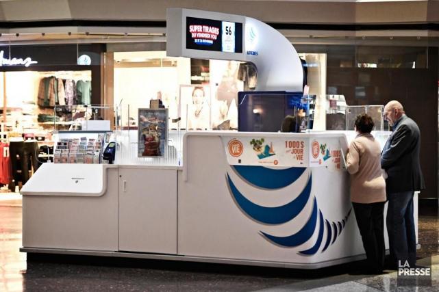 Les profits des kiosques de billets de loterie... (Photo Bernard Brault, archives La Presse)
