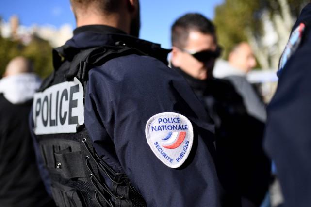Les sept personnes interpellées, âgées de 29 à... (photo AFP)