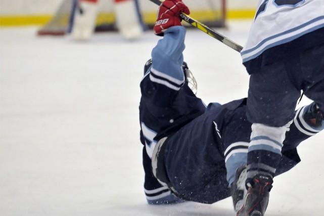 Le hockey pee-wee vient de connaître un autre... (Photo archives Le Quotidien)